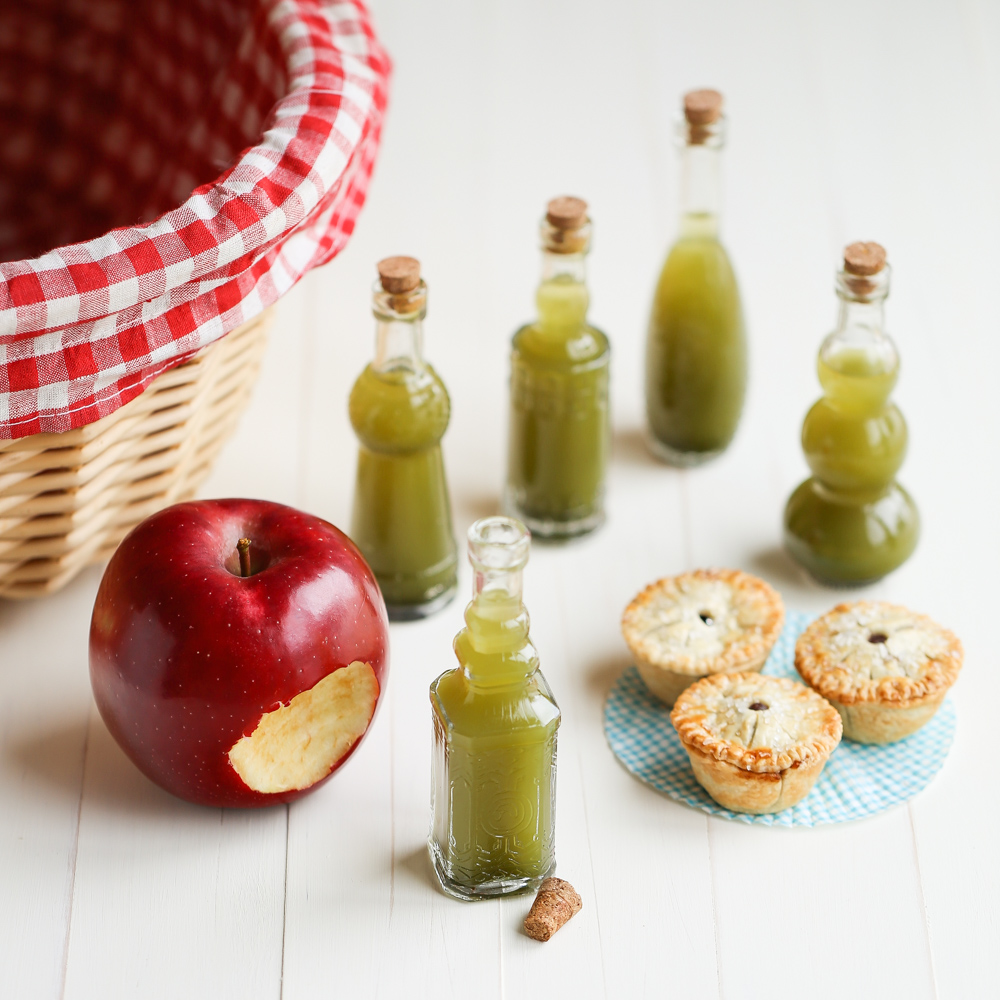 Snow White Poison Shots & Apple Butter Tarts | Thirsty For Tea